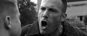 affleck-the-town-yells-bw3